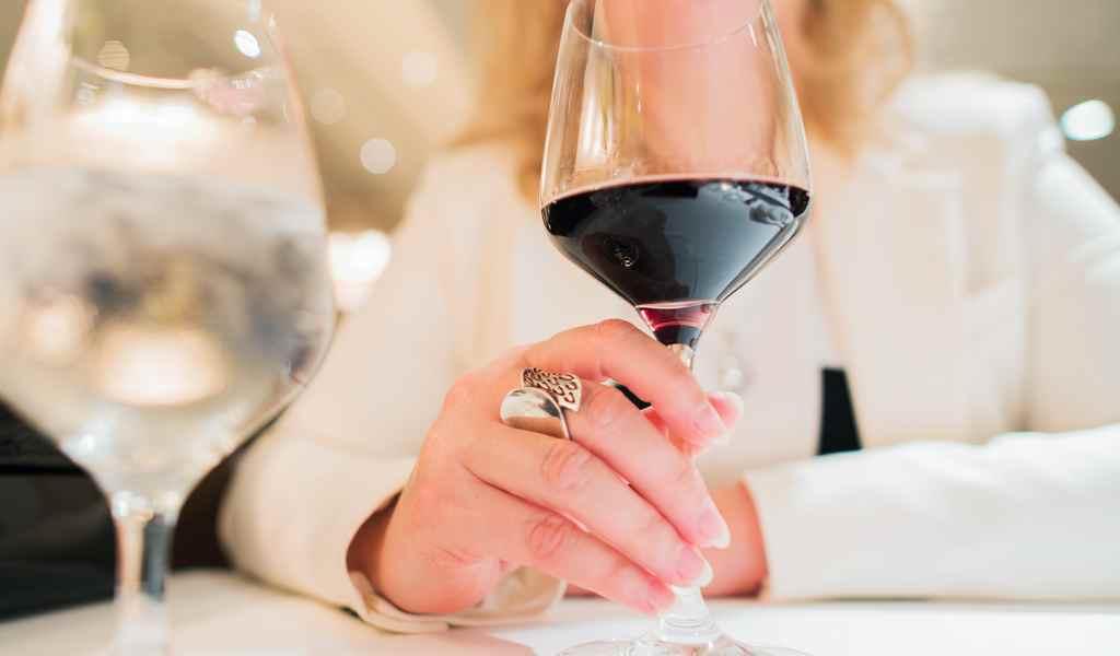 Лечение женского алкоголизма в Кингисеппе анонимно